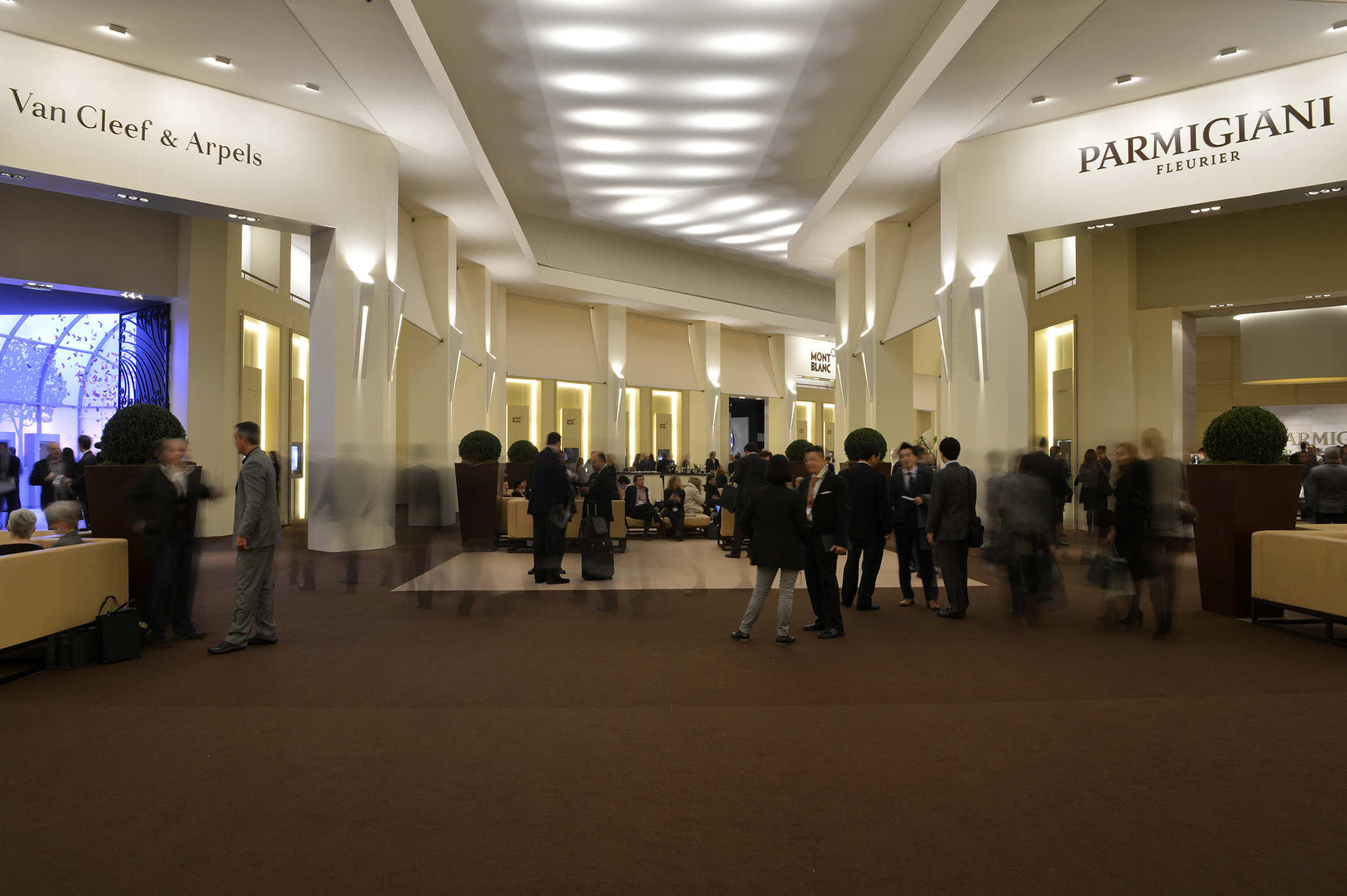 Brief 24th salon international de la haute horlogerie to for Salon de la haute horlogerie