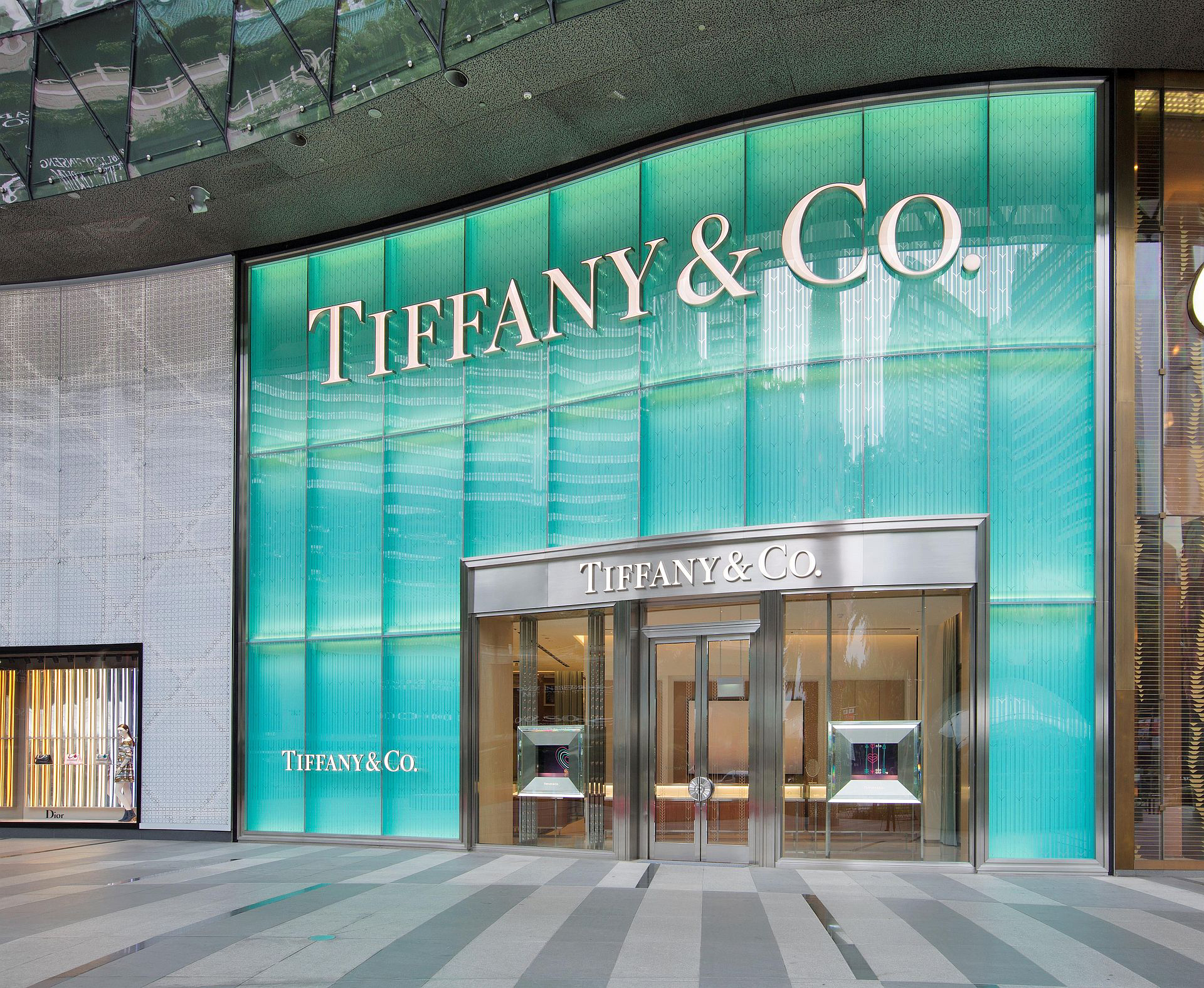 Brief Tiffany Amp Co Opens New Store In Singapore S Luxury